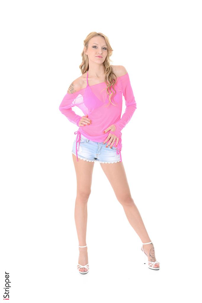 Bilder von Belle Claire Blond Mädchen iStripper posiert Mädchens Bein Hand Shorts Weißer hintergrund Stöckelschuh  für Handy Blondine Pose junge frau junge Frauen High Heels