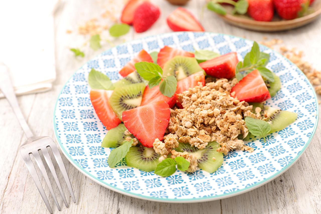 Wallpaper Strawberry Chinese gooseberry Food Plate Muesli Kiwi Kiwifruit