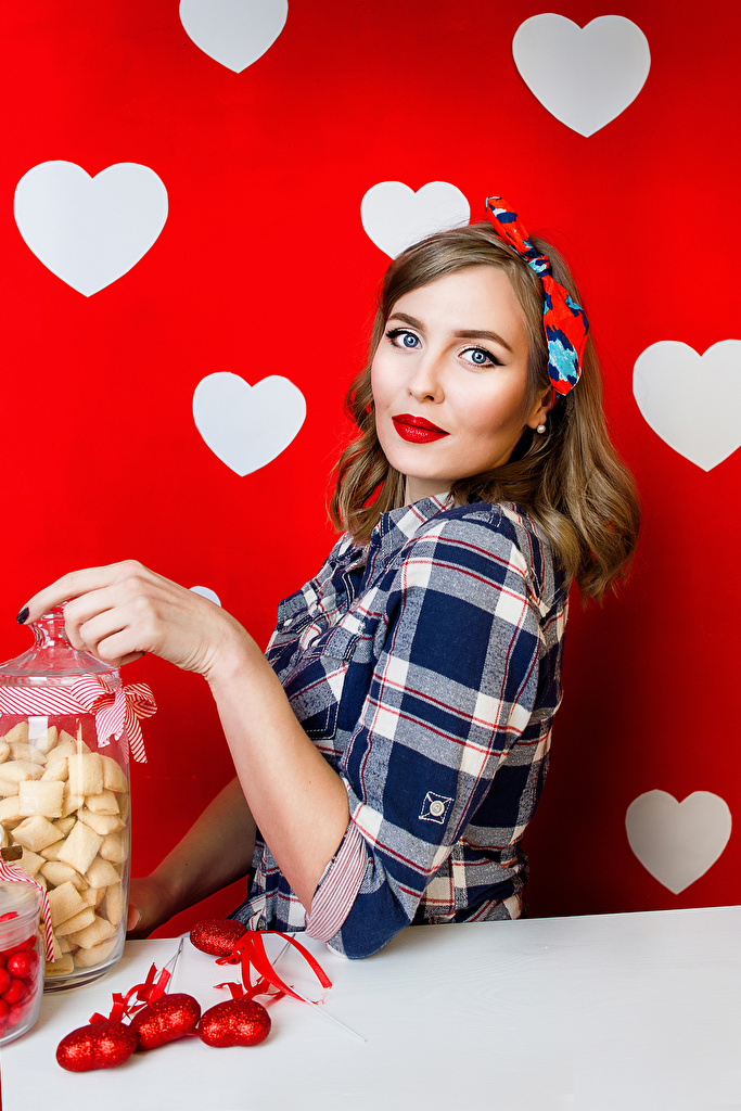 Images Brown haired Heart Girls Candy Staring Holidays Glance