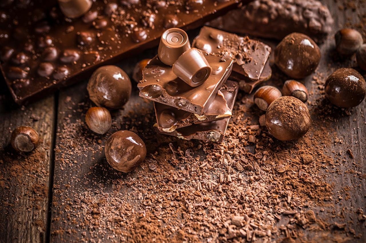 壁紙 チョコレート キャンディ ナッツ ヘーゼルナッツ 木の板