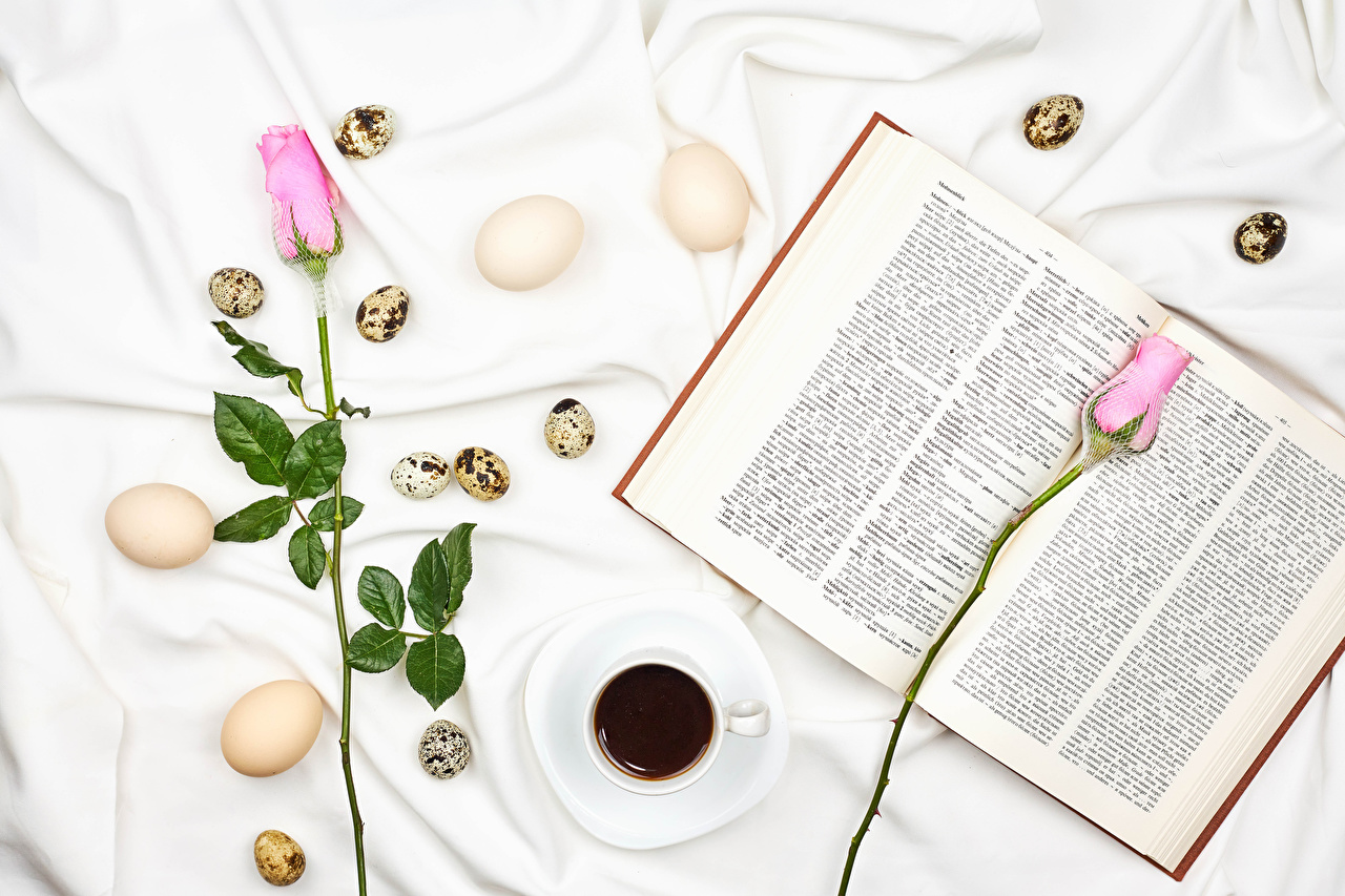 Páscoa Rosas Café Cor-de-rosa Dois Ovo Chávena Livro comida, flor, rosa, livros, ovos, 2 Alimentos Flores