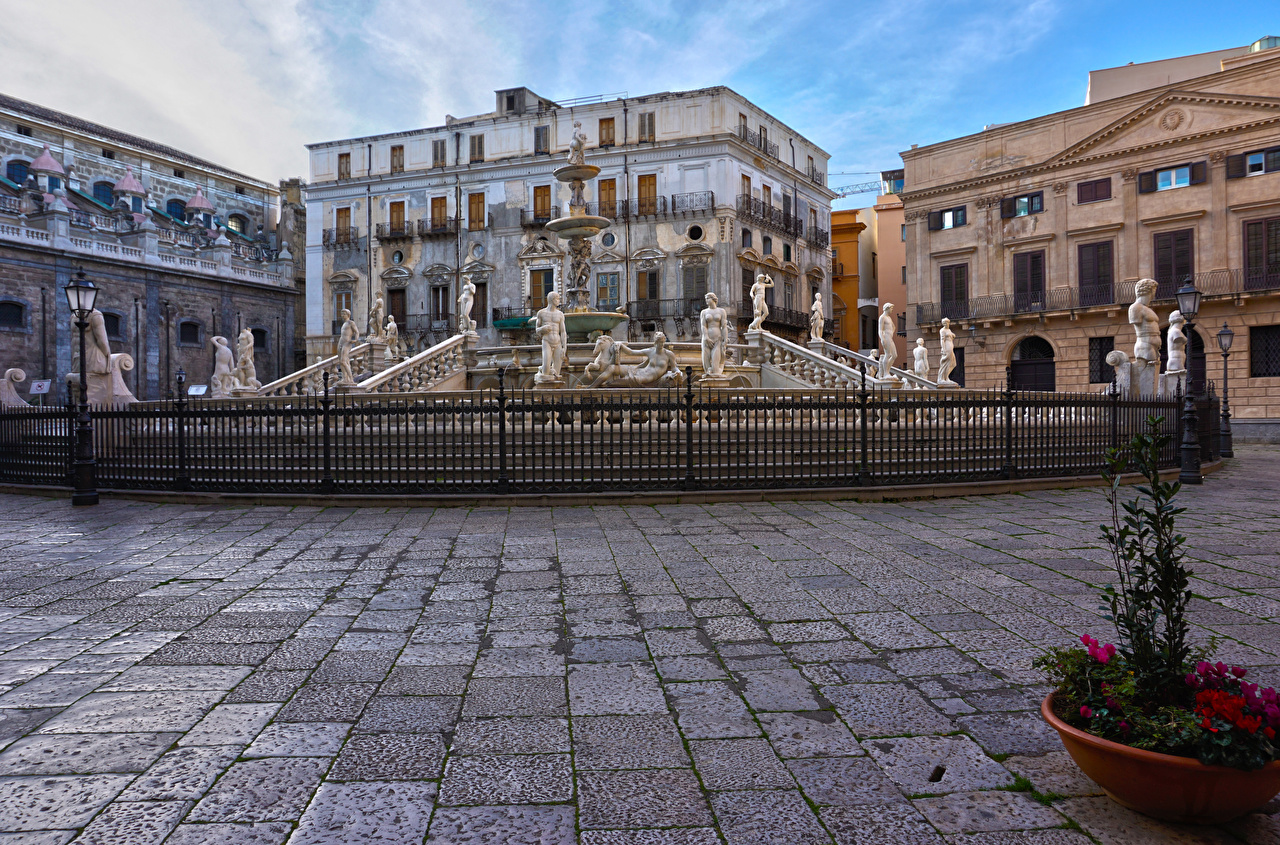 Picture Sicily Italy Fountains Fontana Pretoria Palermo Fence Street lights Houses Cities Sculptures Building