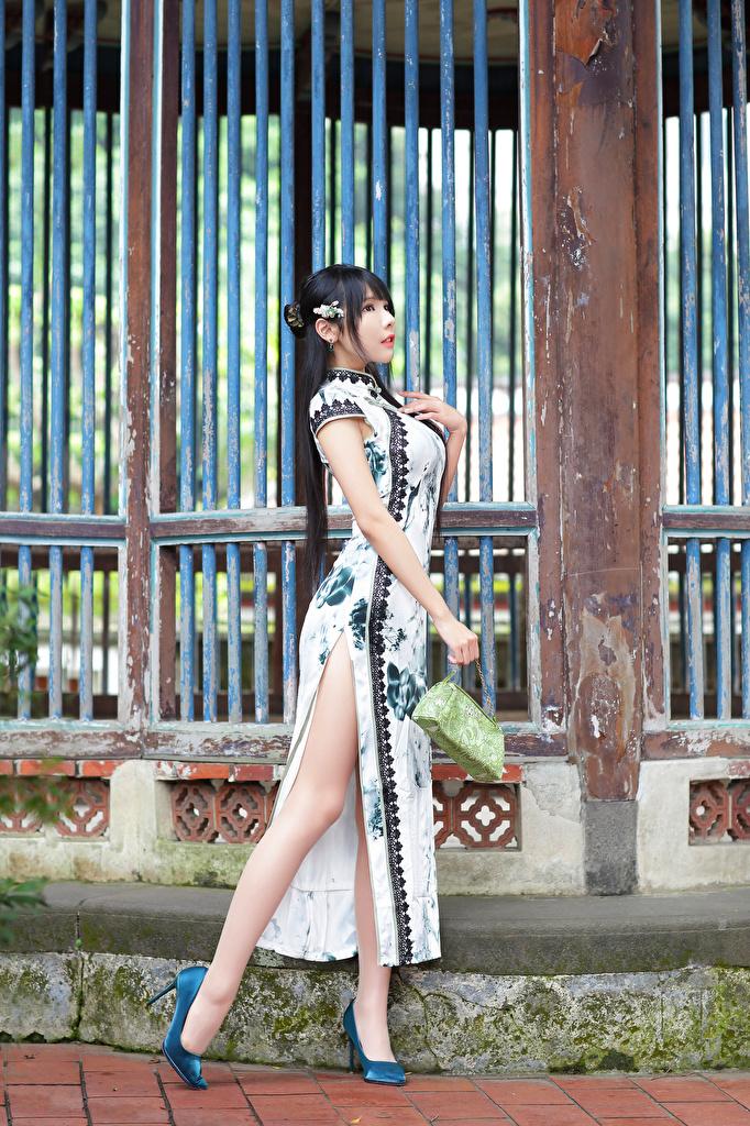 、アジア人、ポーズ、ドレス、脚、革靴、美しい、若い女性、少女、用 携帯電話