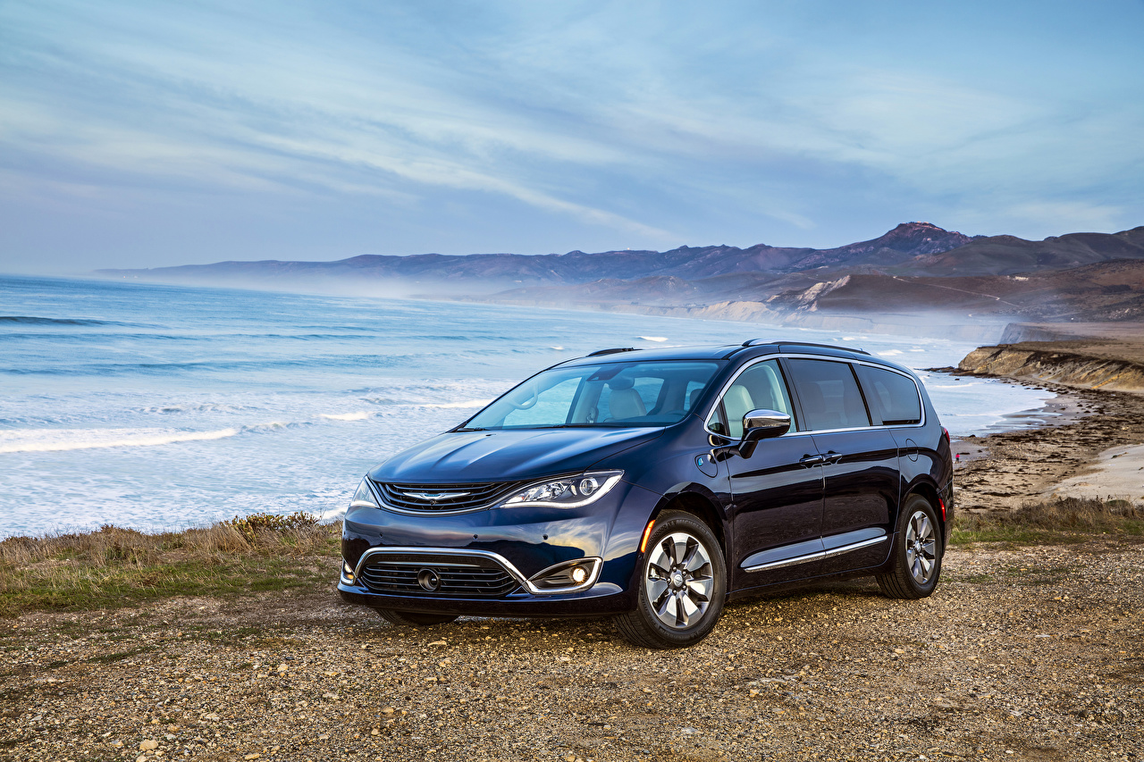Picture Chrysler 2017 Pacifica Hybrid Blue Cars Coast Metallic auto automobile