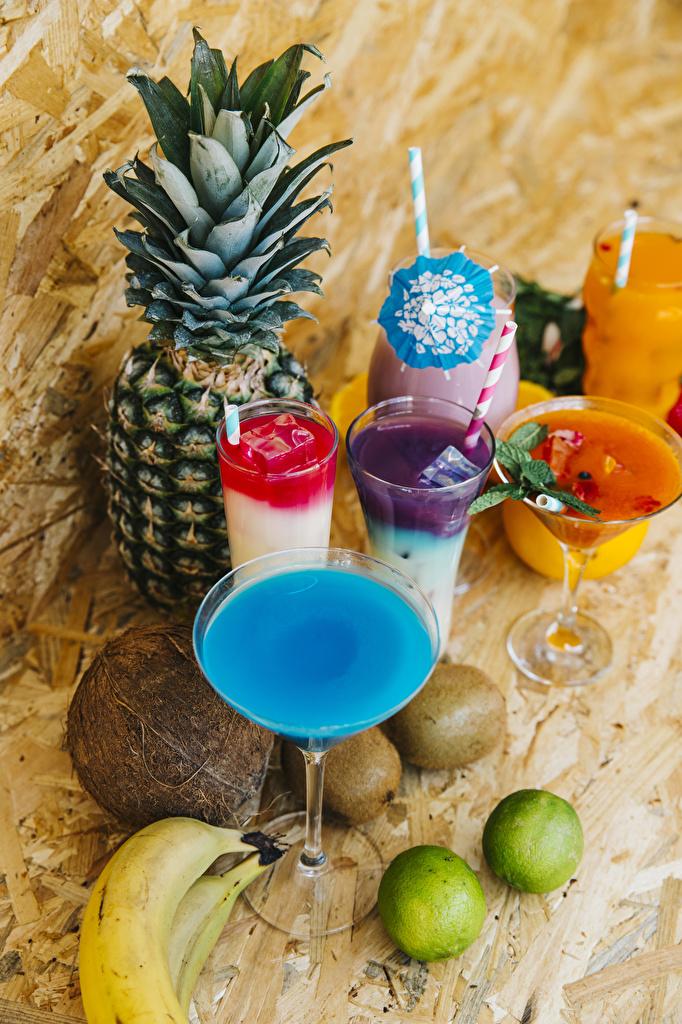 Bilder Saft Limette Kokos Ananas Bananen Trinkglas Chinesische Stachelbeere Cocktail Weinglas das Essen  für Handy Fruchtsaft Kiwi Kokosnuss Kiwifrucht Lebensmittel