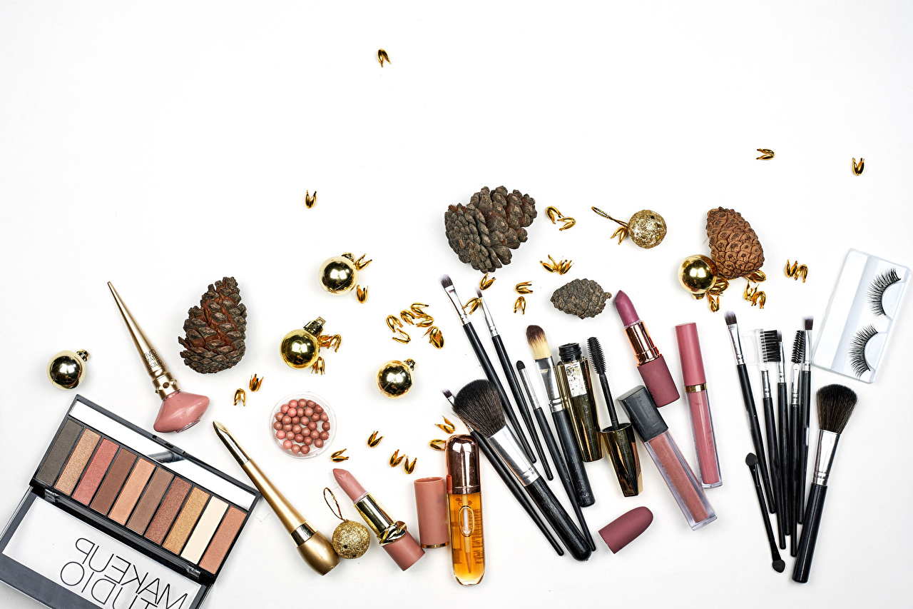 Desktop Wallpapers Lipstick Cosmetics Paintbrush Conifer cone White background Pine cone