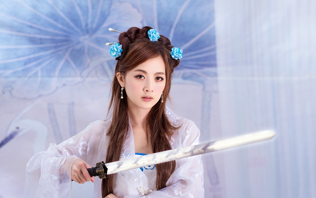 Picture Swords Brown haired Mikako Zhang Kaijie, Japanese female Asian Glance Girls young woman Asiatic Staring