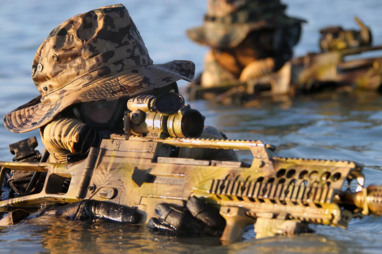 Foto Heer Soldaten Sturmgewehr Spezialeinheiten deutscher Wasser Der Hut Militär Soldat Deutsch deutsche