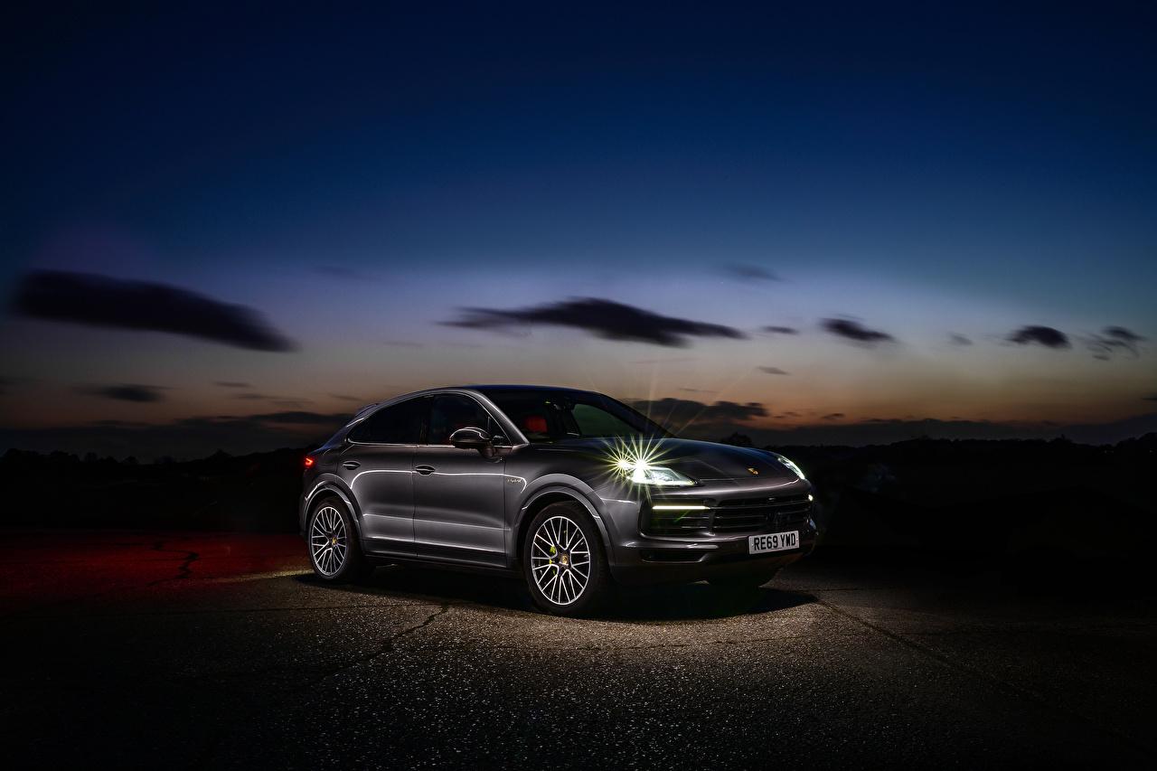 Bilder Porsche 2019-20 Cayenne E-Hybrid Coupe Hybrid Autos Autos Metallisch auto automobil