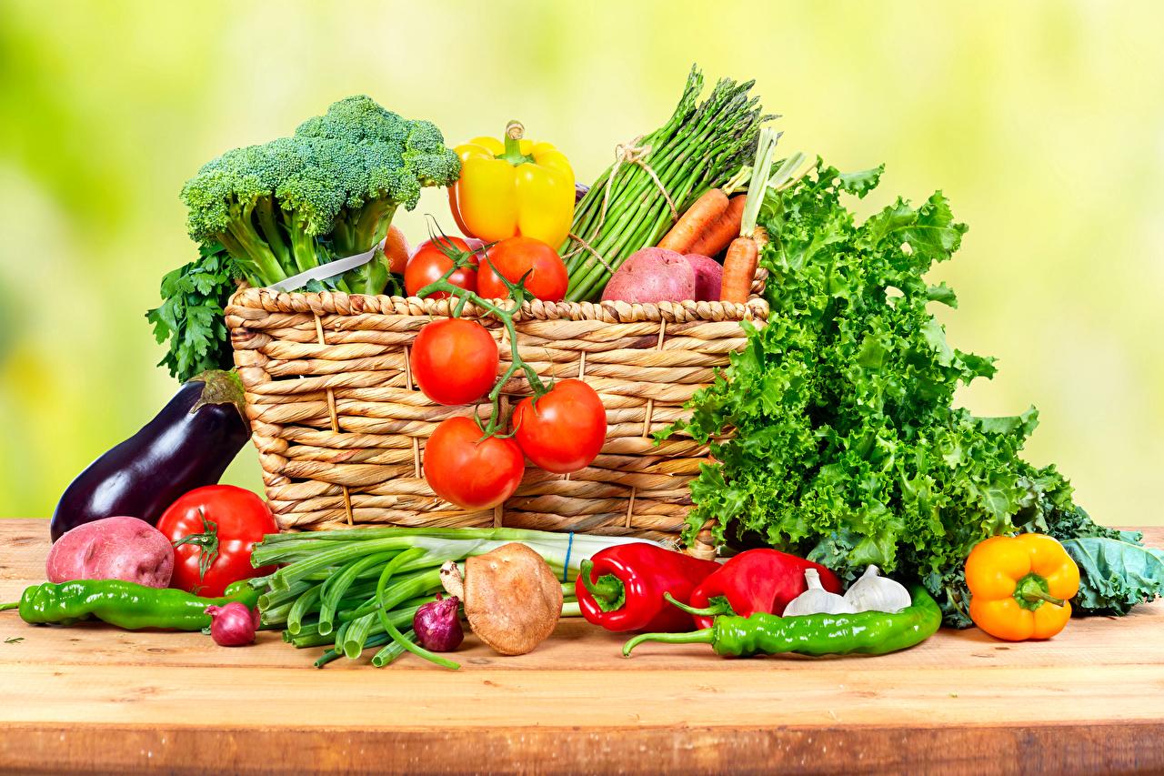 Desktop Wallpapers Tomatoes Wicker basket Food Vegetables Bell
