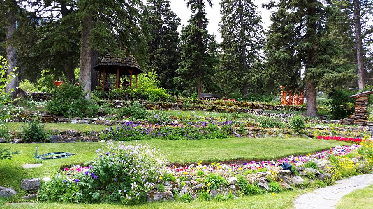 Canada Jardins Cascade Gardens Banff Arbres Gazon Nature