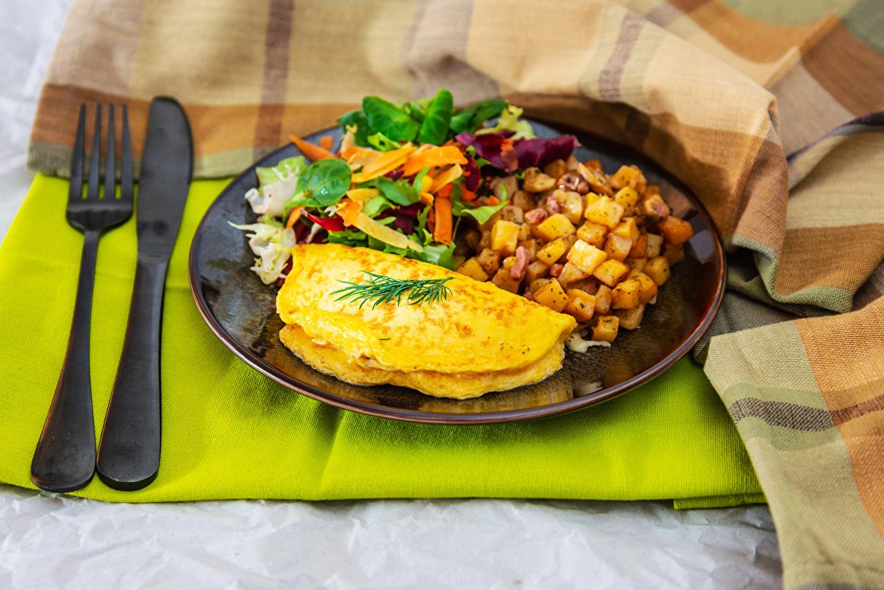 Картинка Нож глазунья Завтрак Картофель Пища Овощи тарелке Вилка столовая ножик яичницы Яичница картошка Еда вилки Тарелка Продукты питания