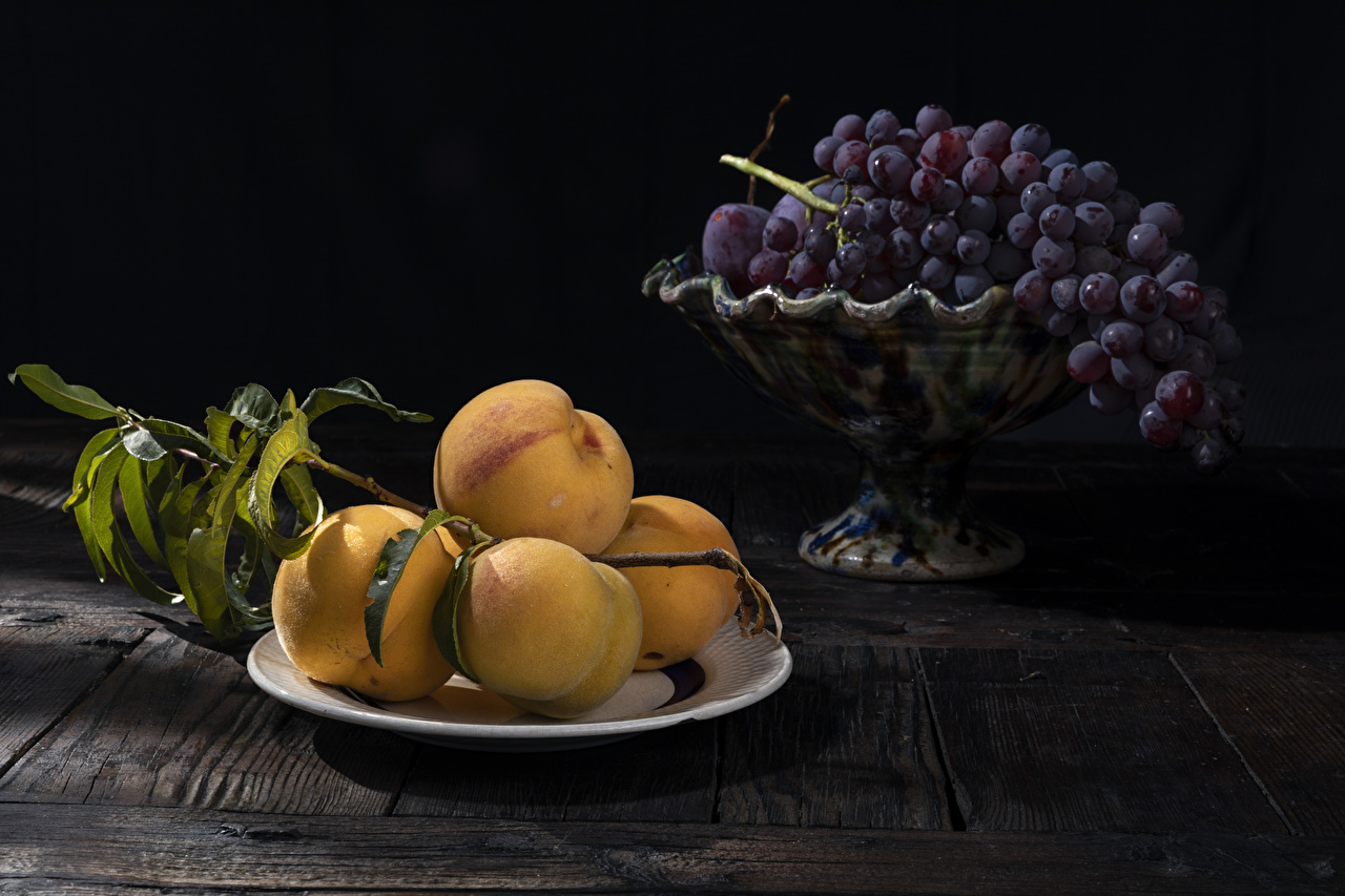 Albaricoque Uvas Tablones de madera Plato Rama comida, Holzplanken Alimentos