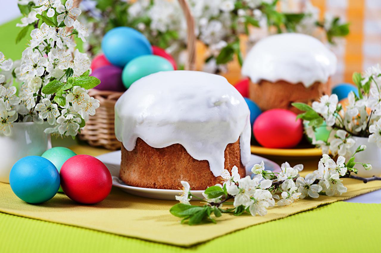 Bilder das Essen Ostern Zuckerguss Kulitsch eier Backware Feiertage Lebensmittel Ei