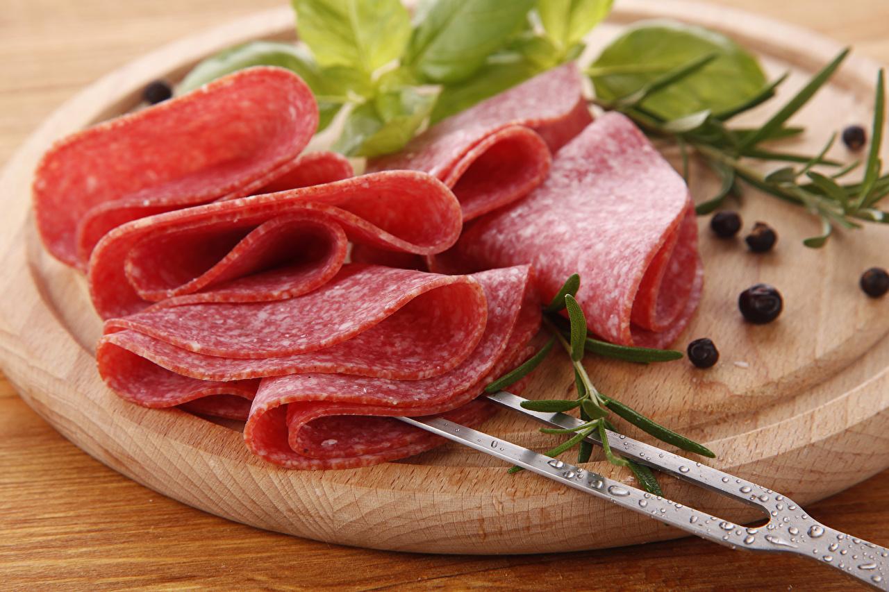 Photos Sausage Black pepper Food Sliced food Cutting board