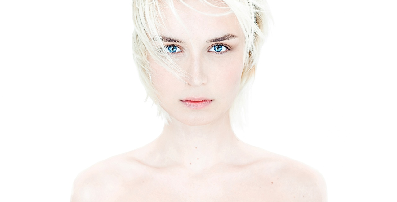 Photo Polina Gagarina Blonde girl Face Girls Music Glance Celebrities female young woman Staring