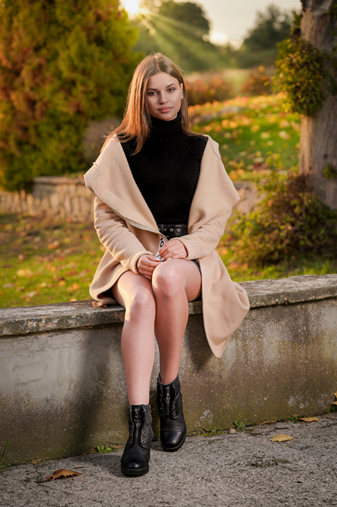 Photo Modelling overcoat Girls Legs Sitting  for Mobile phone Model Coat female young woman sit