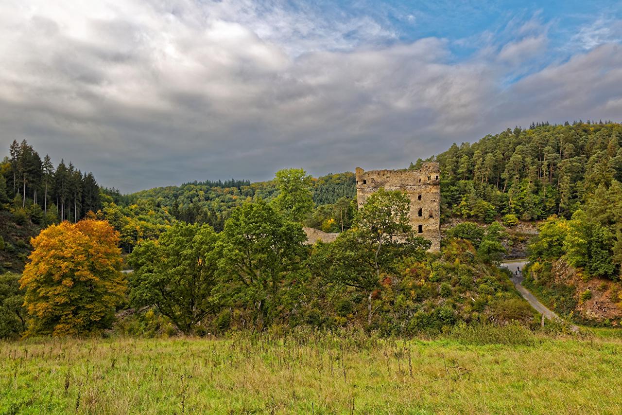 Desktop Hintergrundbilder Deutschland Burg Balduinstein Natur Ruinen Wälder Gras Wald