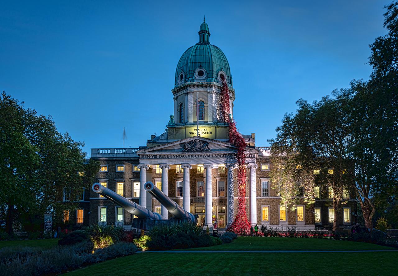 Bilder von London Kanone Vereinigtes Königreich Imperial War Museum Abend Rasen Haus Städte Museen Gebäude
