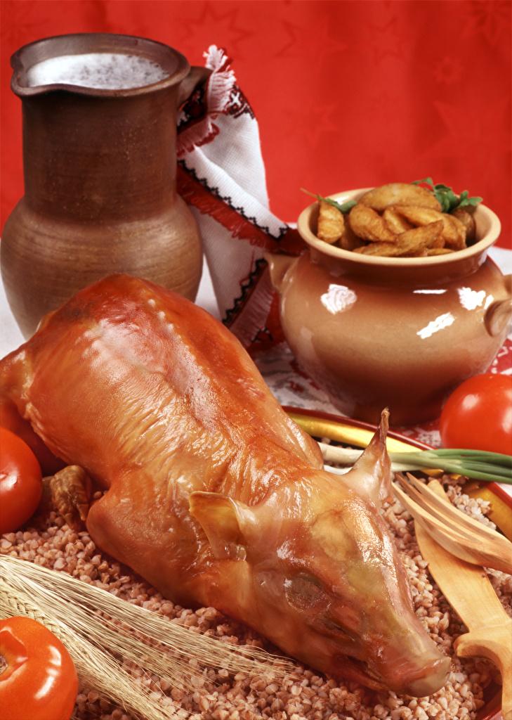 Foto Milch Tomaten Kartoffel Buchweizen Schweinefleisch kannen das Essen Fleischwaren Roter Hintergrund  für Handy Tomate Kanne krüge Lebensmittel