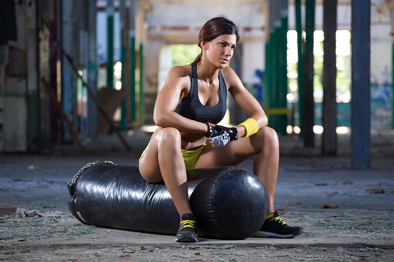 Wallpaper Brown haired Fitness Rest Girls sports Legs Hands Sitting relax Sport female Resting athletic young woman sit