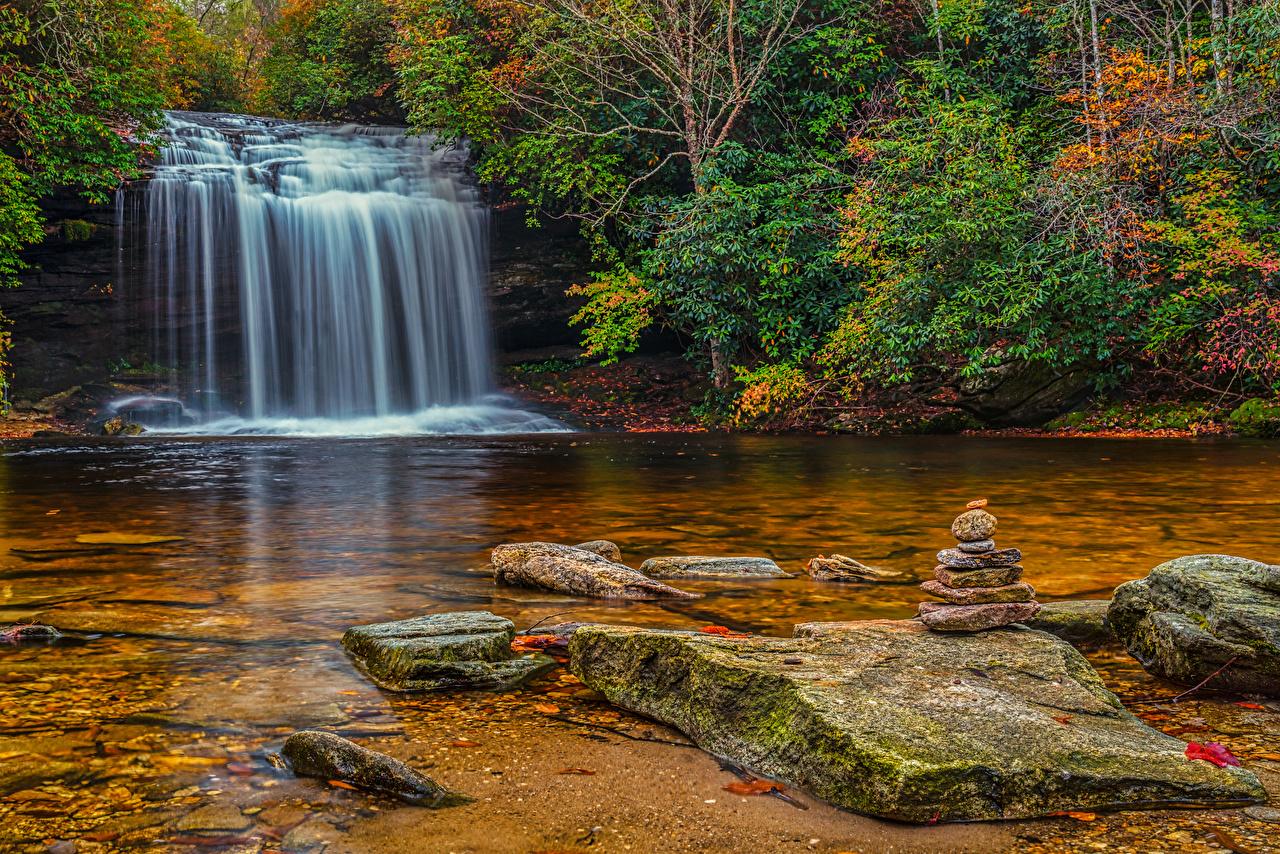 、アメリカ合衆国、滝、石、秋、Panthertown Valley Waterfalls、低木、自然