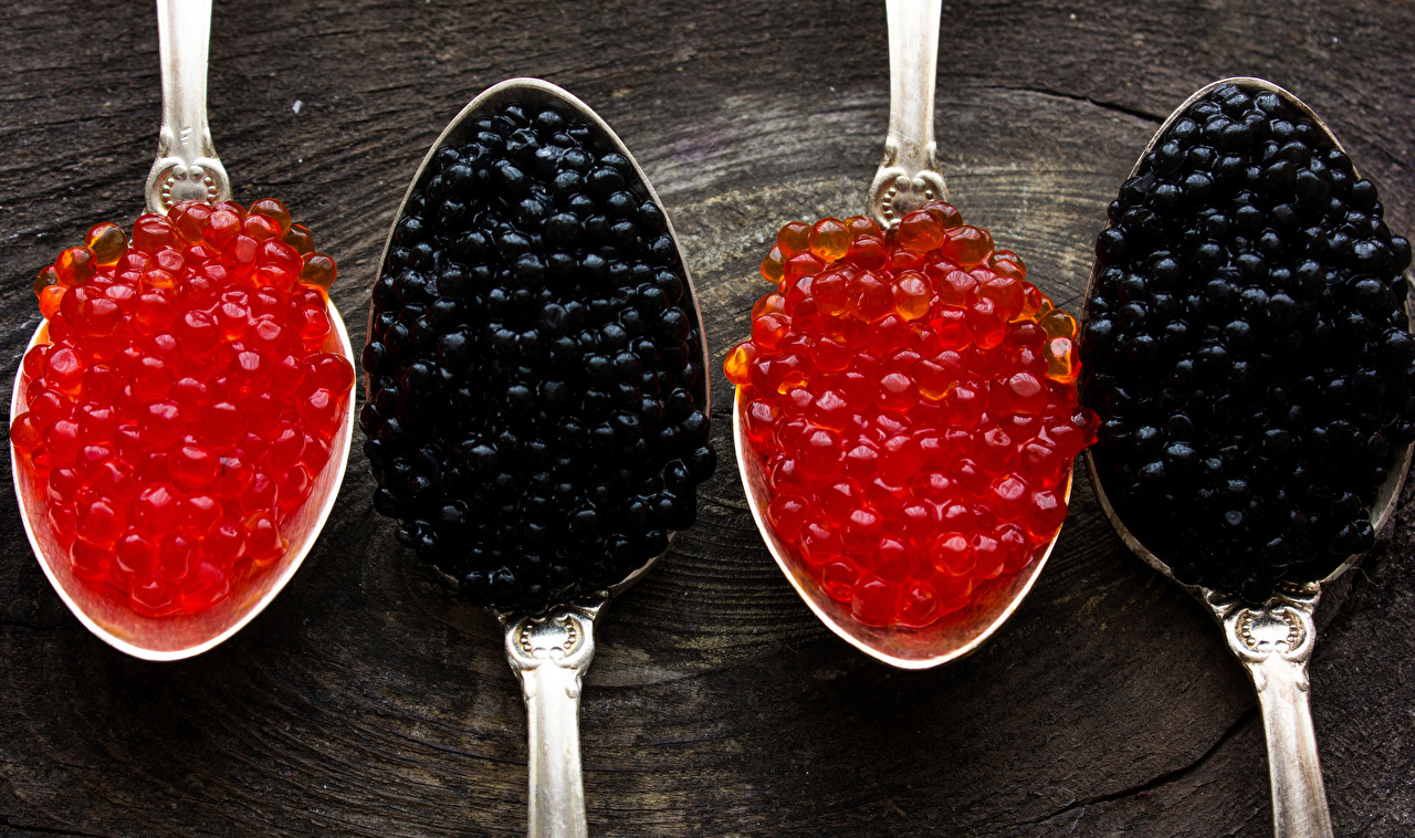 Fotos Kaviar Getreide Löffel Lebensmittel Nahaufnahme Meeresfrüchte Rogen Caviar das Essen hautnah Großansicht