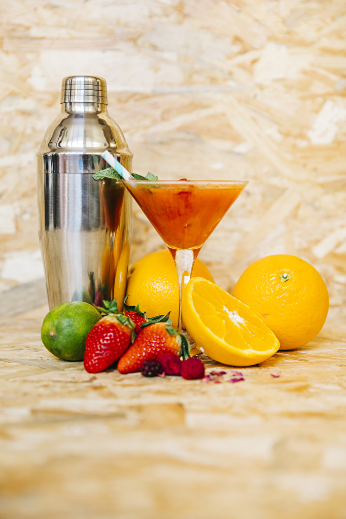 Desktop Wallpapers Lime Lemons Strawberry Food Cocktail Stemware  for Mobile phone Mixed drink