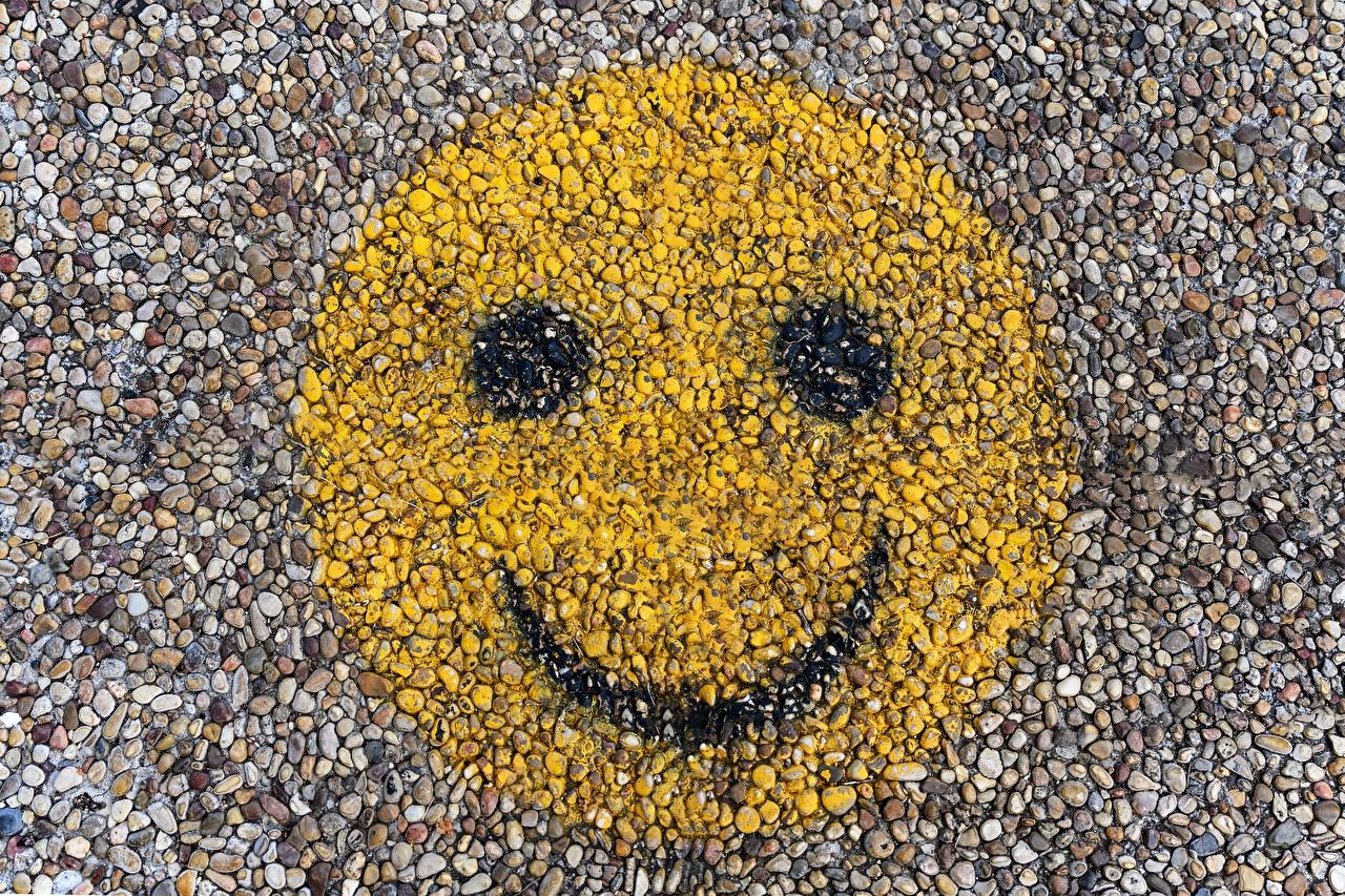Images Smilies Smile Face Graffiti stone Closeup Stones