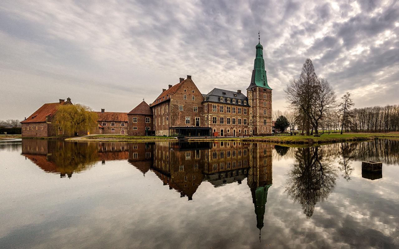 Photos Germany Raesfeld Castle Castles Reflection Rivers Cities castle reflected river
