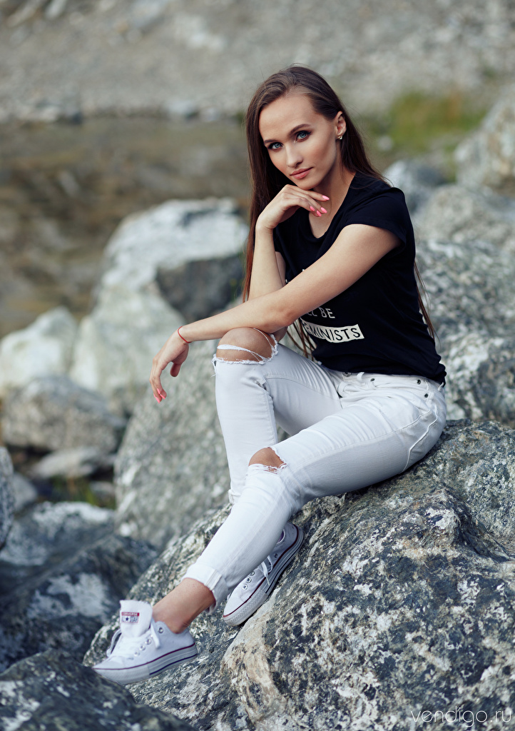 Pictures Nastya, Evgeniy Bulatov female T-shirt Jeans Stones Sitting Staring  for Mobile phone Girls young woman sit stone Glance