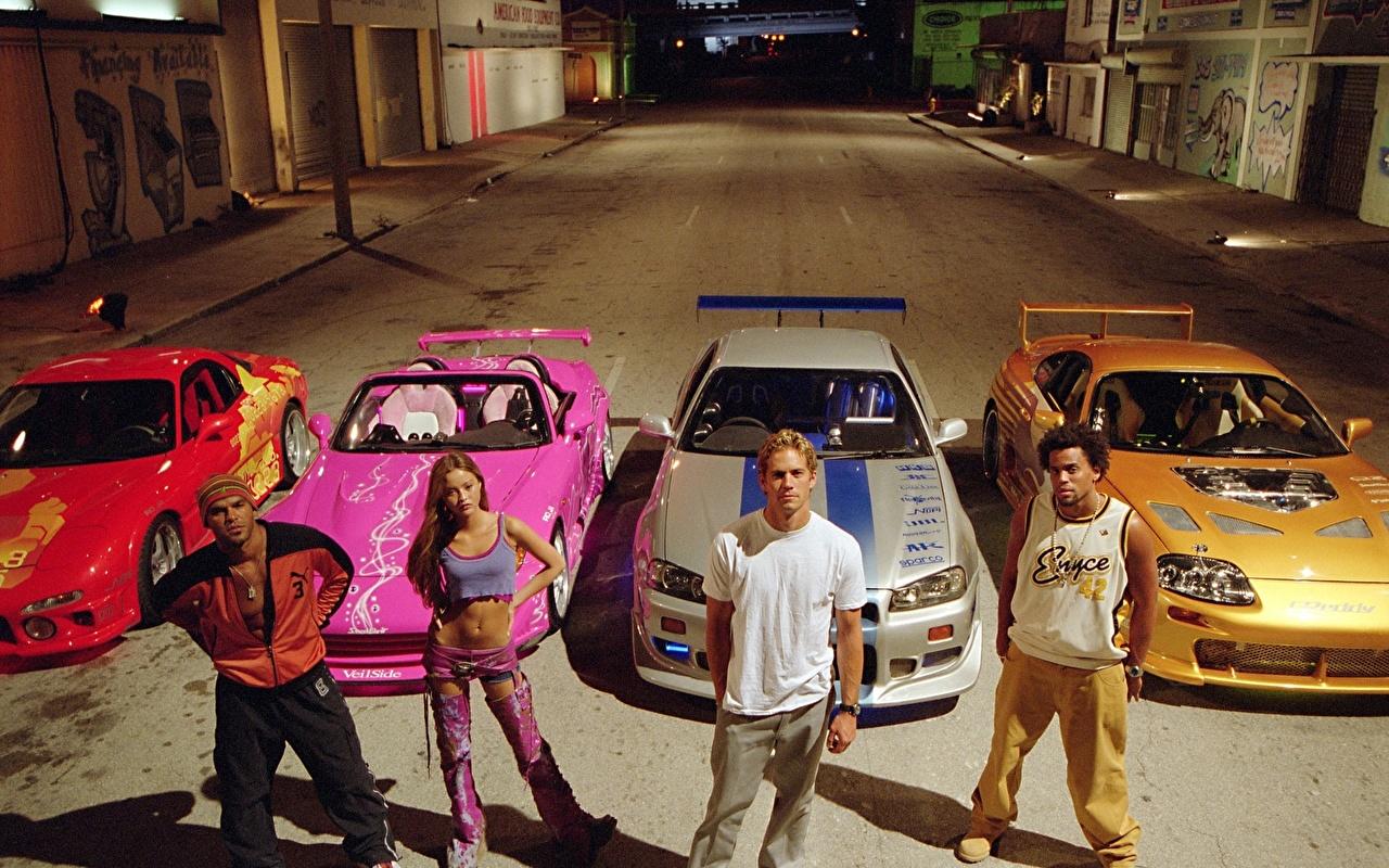 Foto 2 Fast 2 Furious The Fast and the Furious Män Unga kvinnor Filmer automobil Kändisar en man ung kvinna film bil Bilar