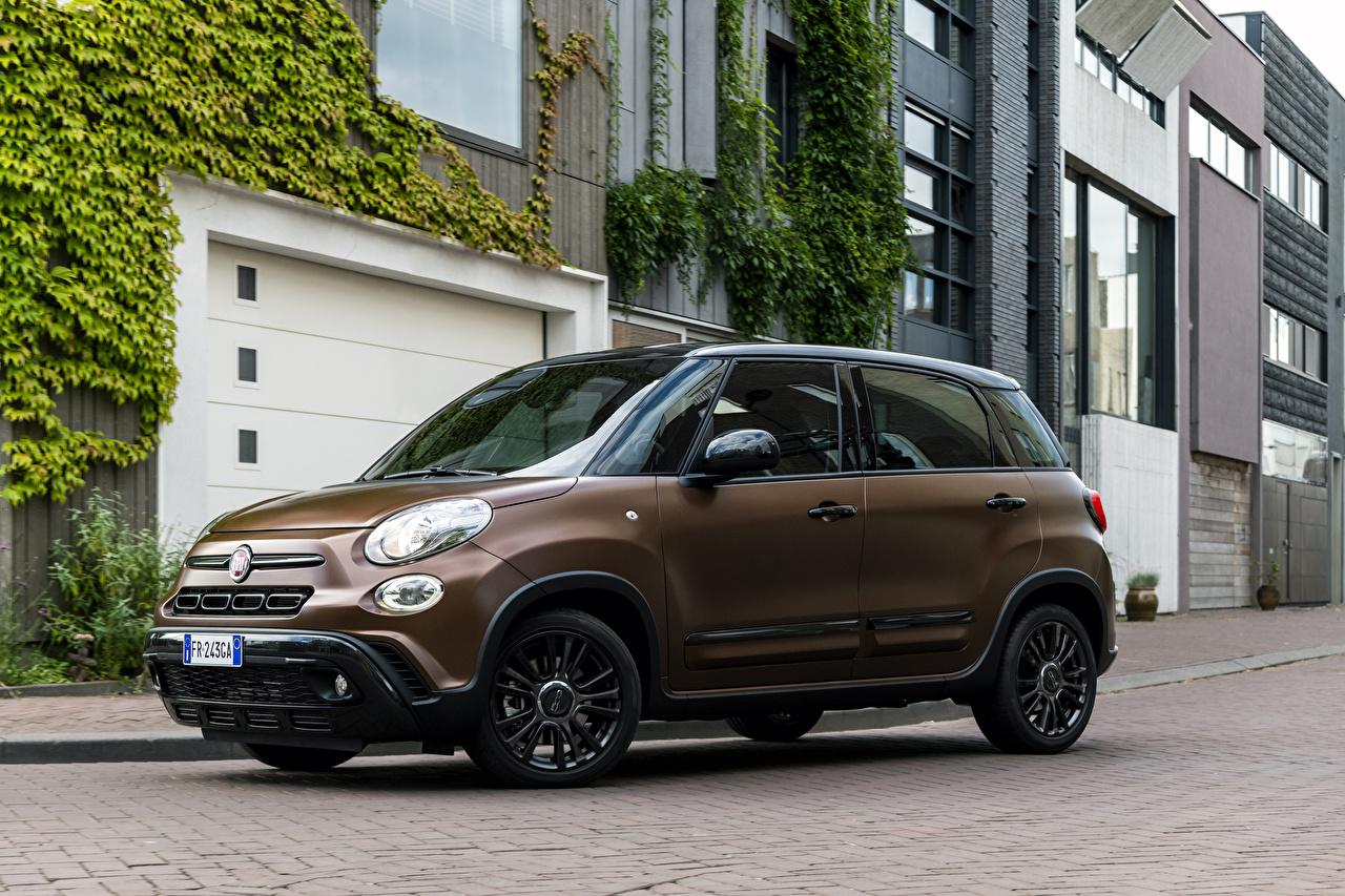 Fotos von Fiat 2018-19 500L S-Design braune auto Braun braunes Autos automobil