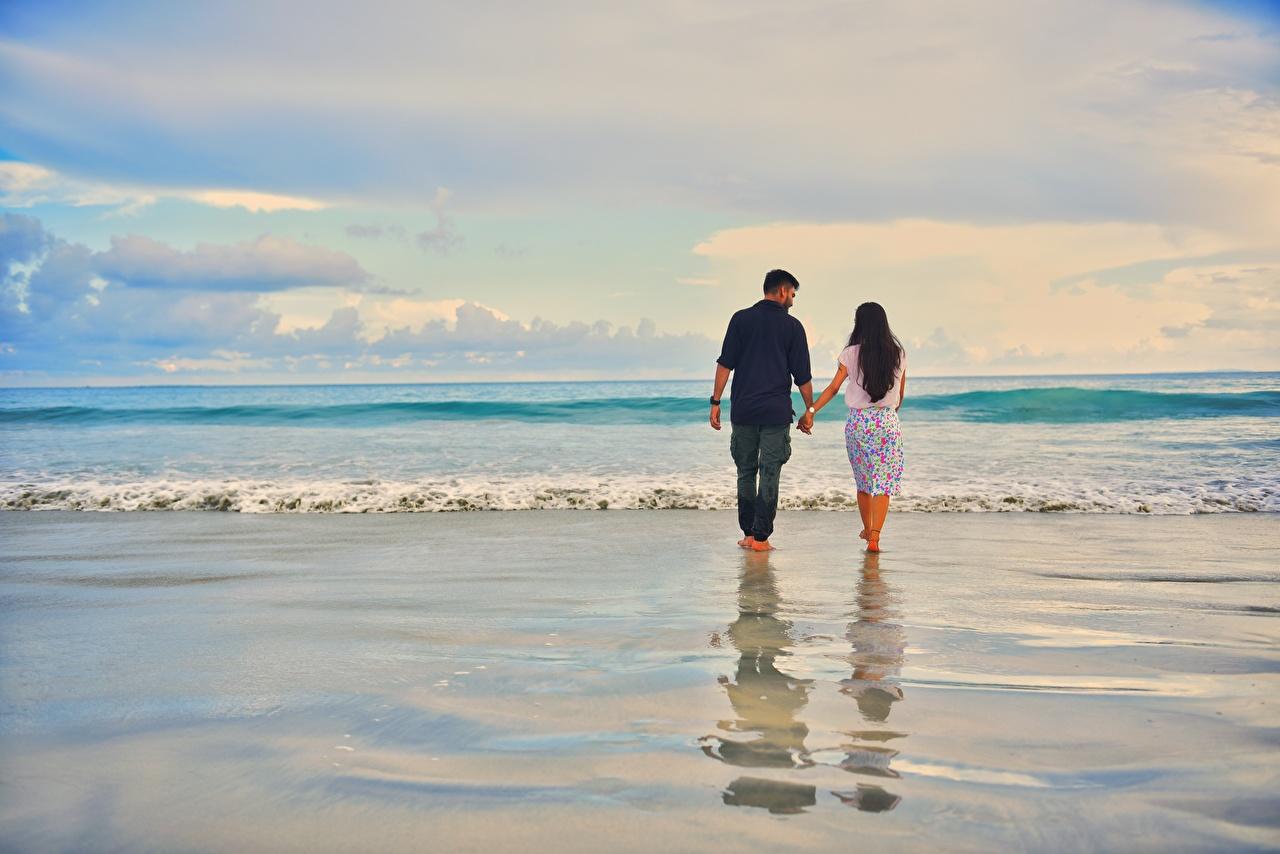 壁紙 海 波 男性 恋人 水 ビーチ 2 二つ 歩く デート 自然