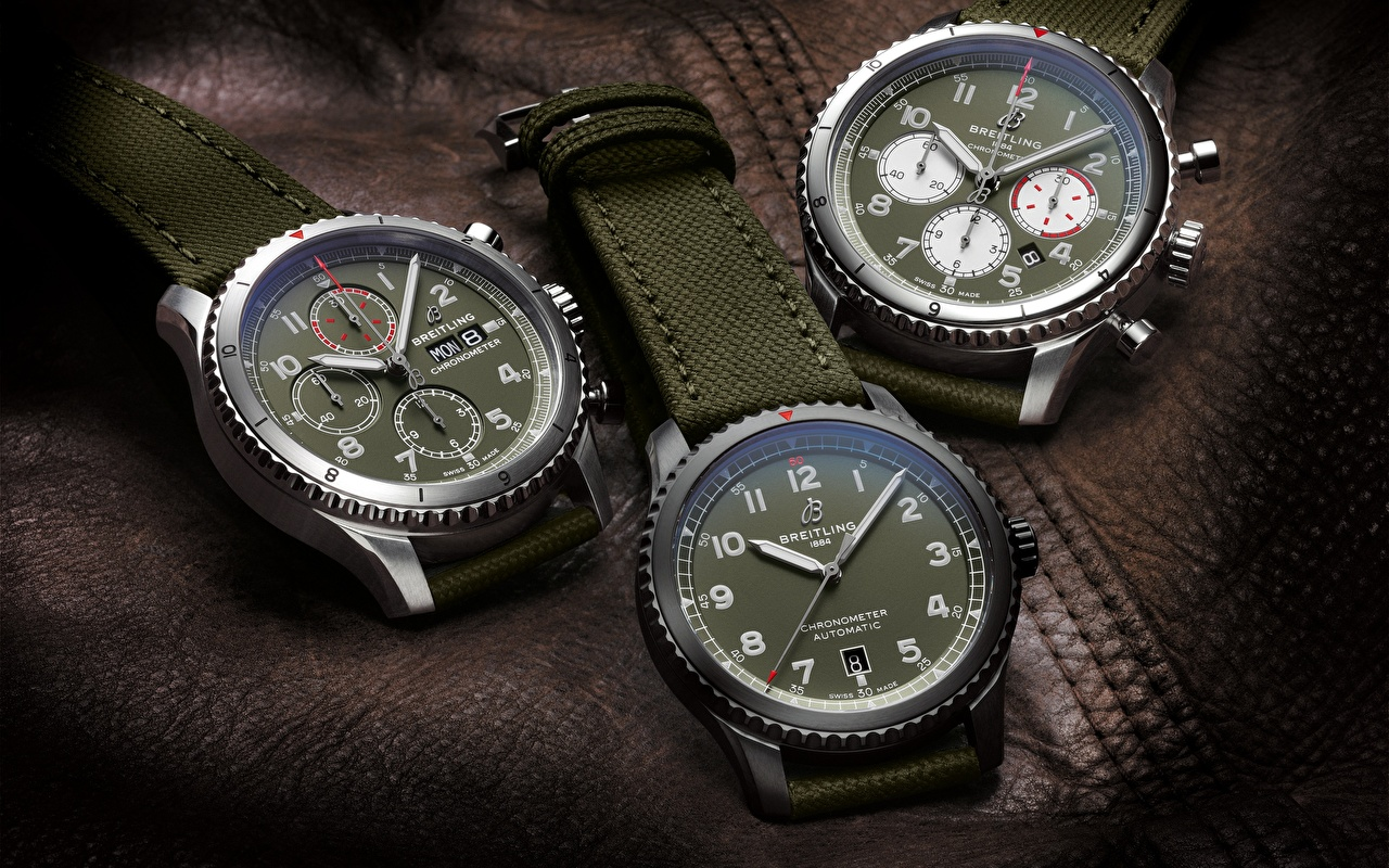 Immagine Swiss Luxury, Breitling Aviator 8 Curtiss Warhawk collection, Aviator 8 Automatic 41 Curtiss Warhawk, Aviator 8 Chronograph 43 Curtiss Warhawk Orologio da polso Orologio Tre 3 trio