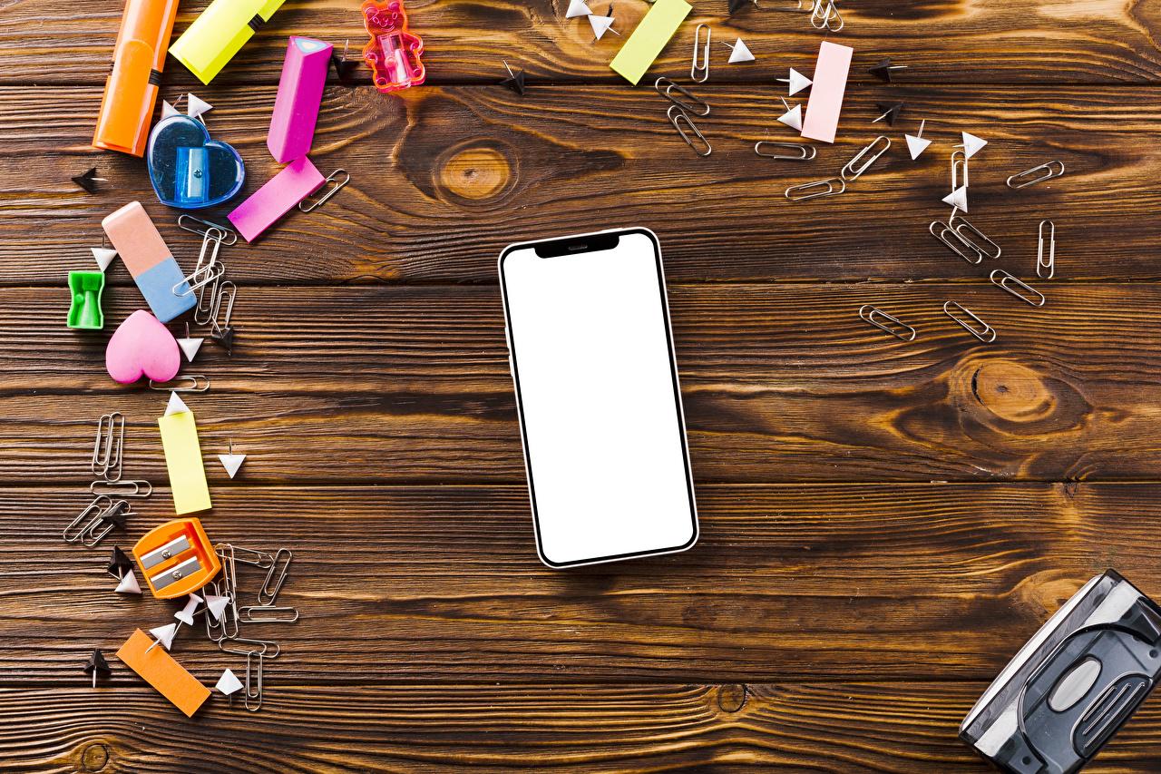 Image Stationery Heart Smartphone Wood planks smartphones boards