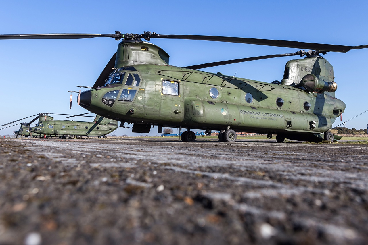 Achtergronden Helikopters Royal Netherlands Air Force, Boeing CH-47D Chinook Luchtvaart helikopter