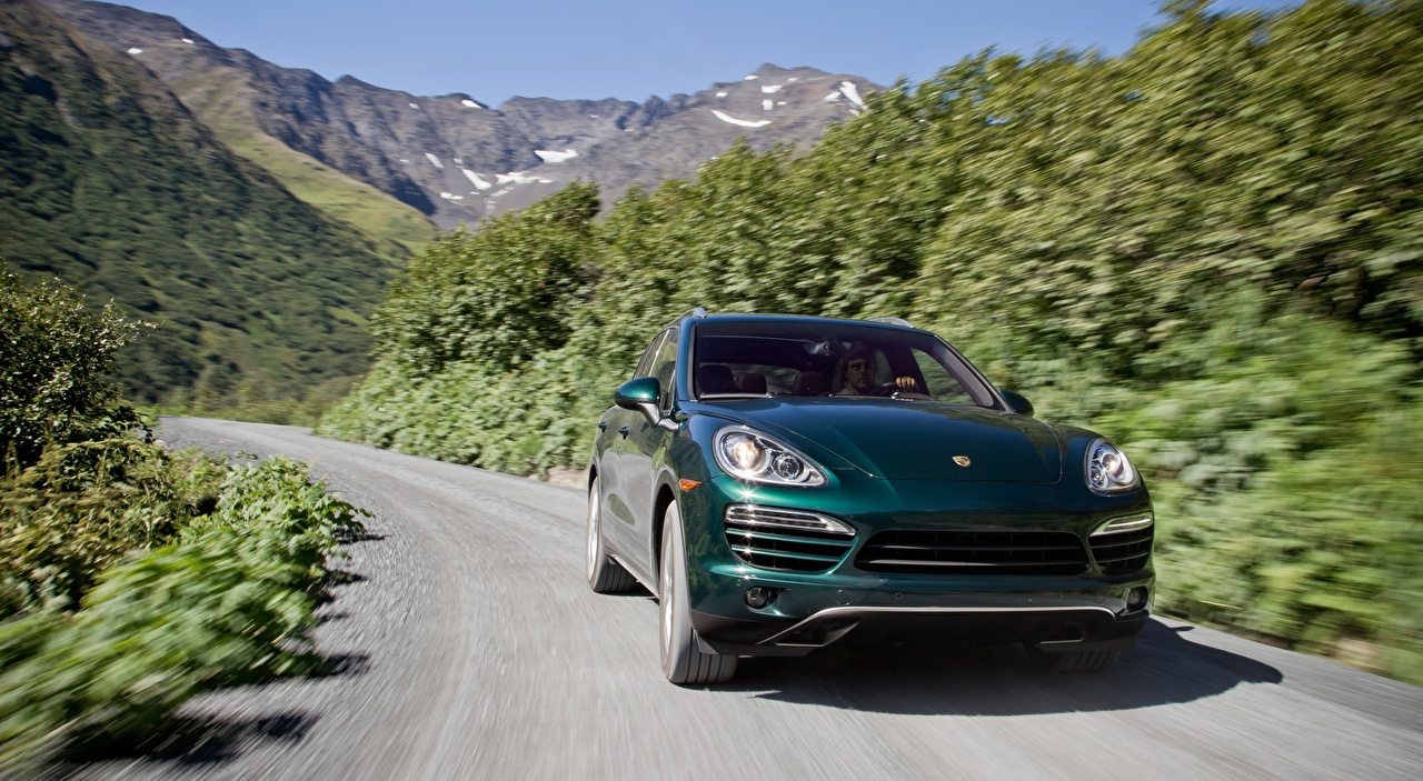 Picture Porsche CUV Bokeh Green Roads driving Cars Front Crossover blurred background moving riding Motion at speed auto automobile