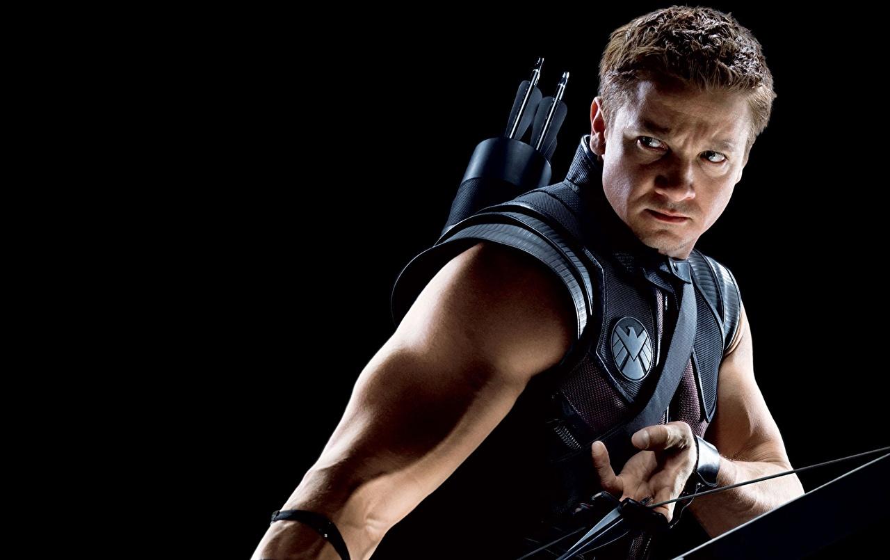 Bilder von Marvel's The Avengers 2012 Jeremy Renner Bogenschütze HAWKEYE Film
