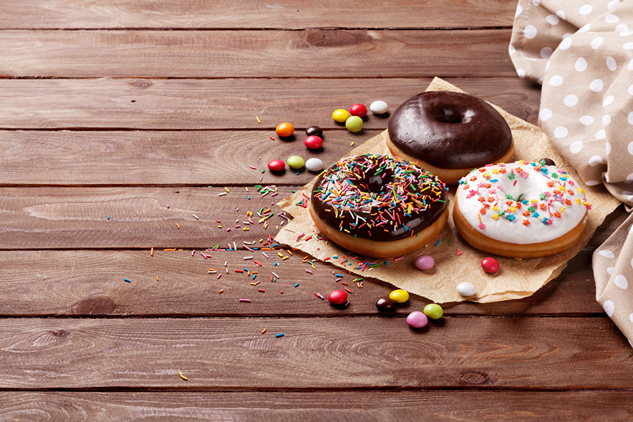 Photo Dragee Chocolate Donuts Food Three 3 Sweets Wood planks Doughnut confectionery boards