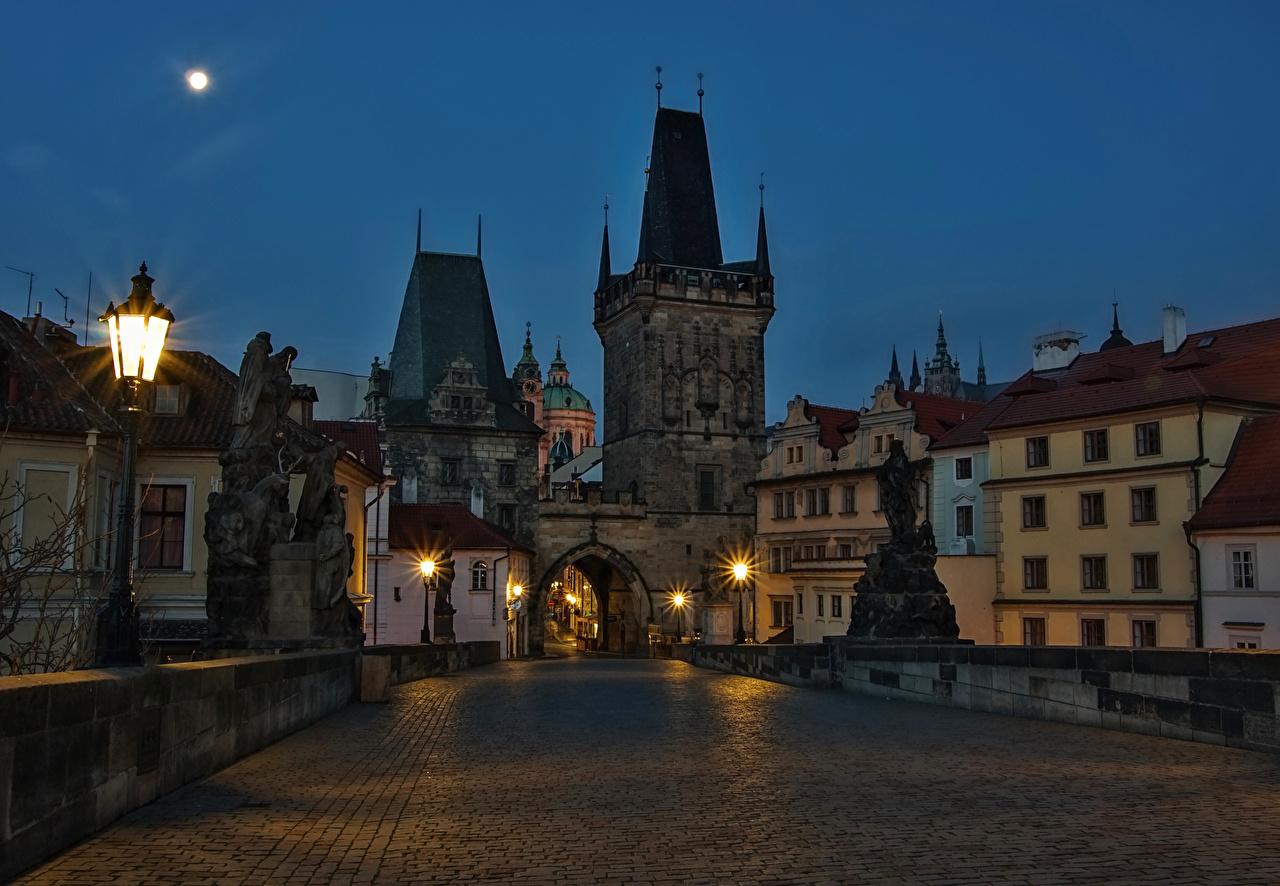 、チェコ、プラハ、住宅、橋、彫刻、夜、街灯、建物、都市