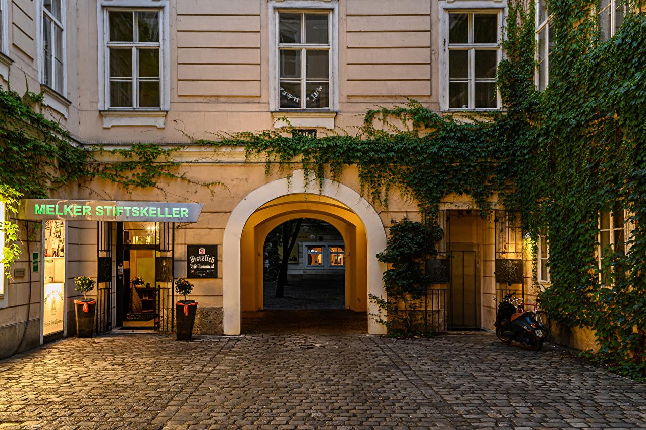 Desktop Hintergrundbilder Wien Österreich Bogen architektur Stadtstraße Abend Haus Städte Straße Gebäude