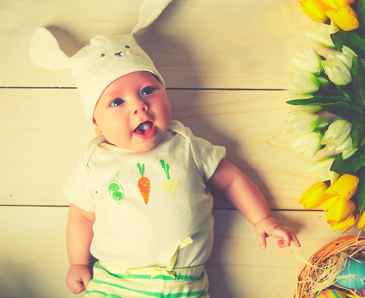 Pictures Easter Boys rabbit Infants Children Glance boards Baby Rabbits newborn child Staring Wood planks