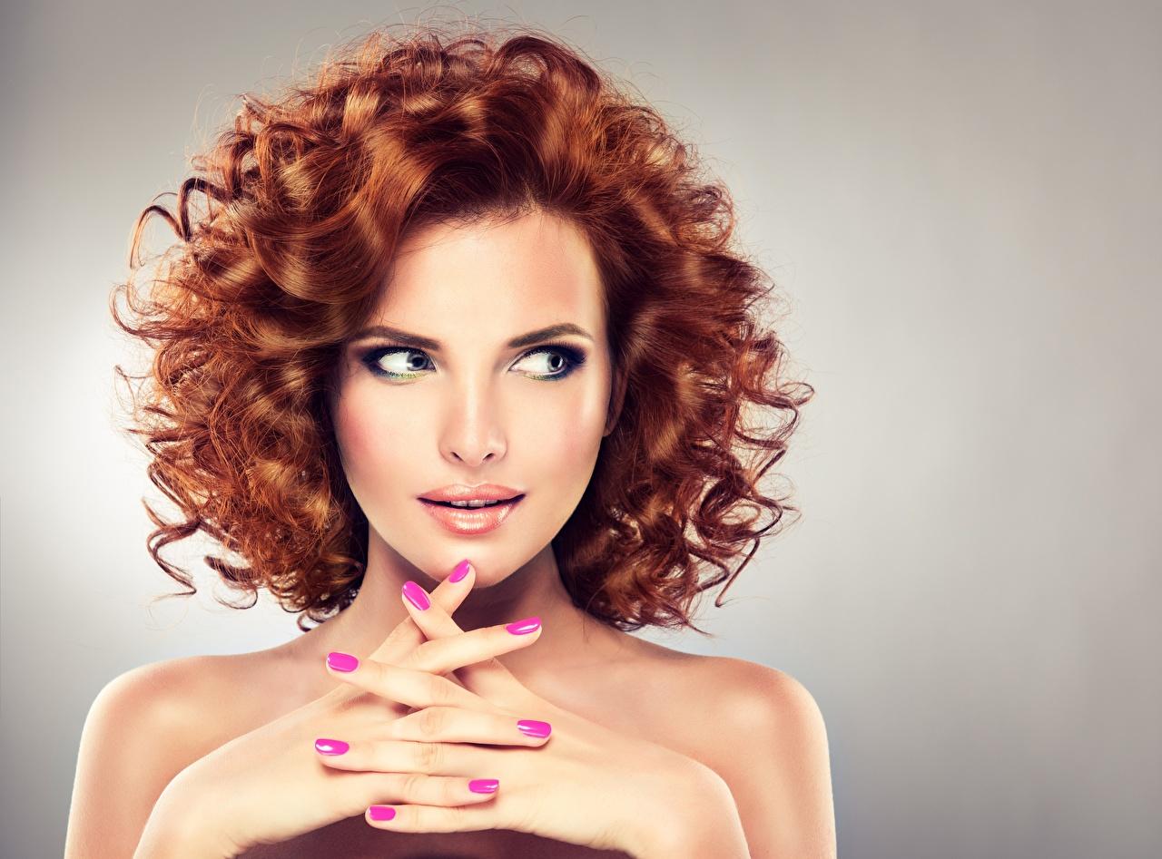 Bilder von Rotschopf Braune Haare Model Maniküre Make Up schönes Frisur junge Frauen Hand Finger Braunhaarige Schminke Schön hübsch schöne hübsche schöner hübscher Frisuren Mädchens junge frau