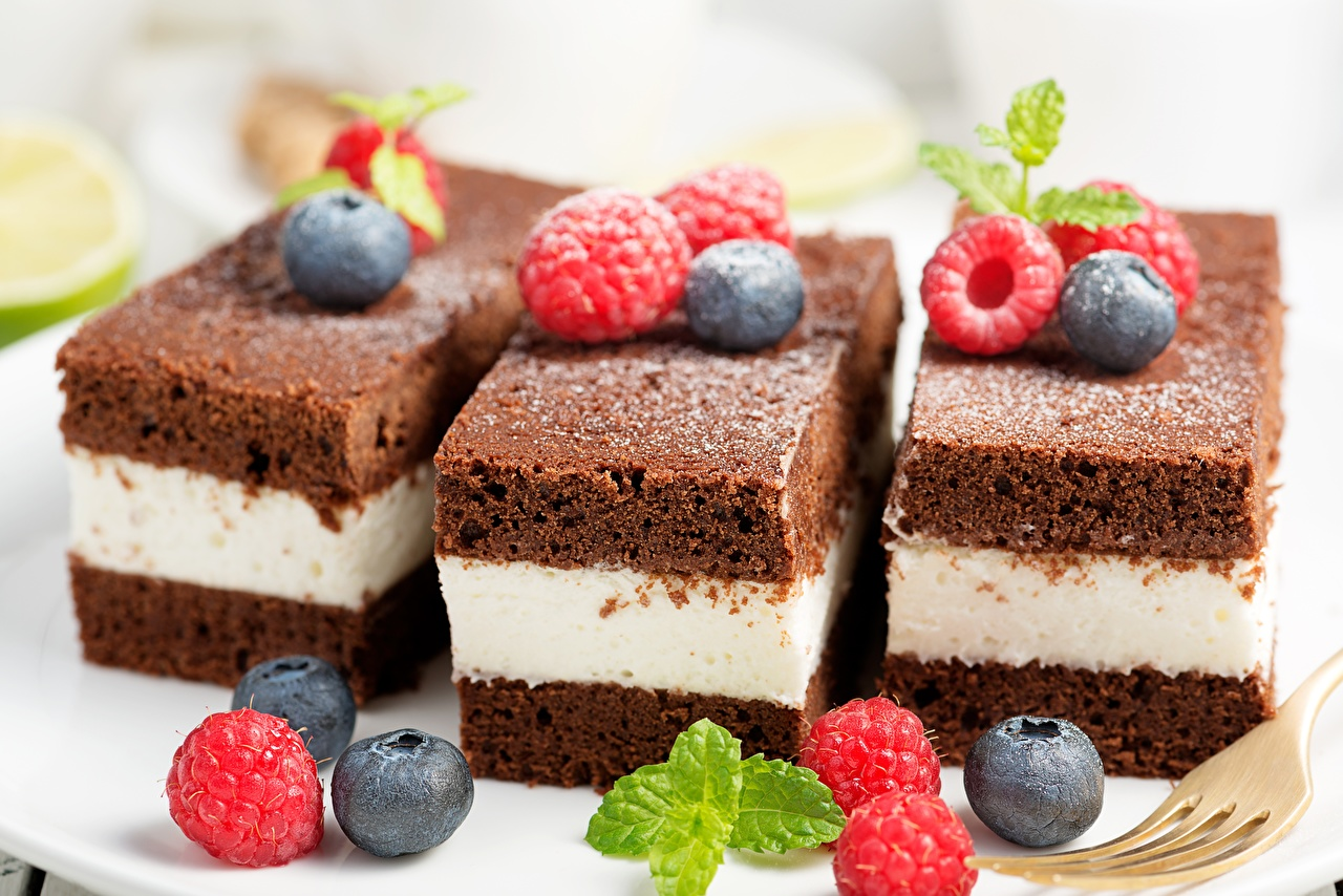Images Raspberry Blueberries Food Berry Little cakes