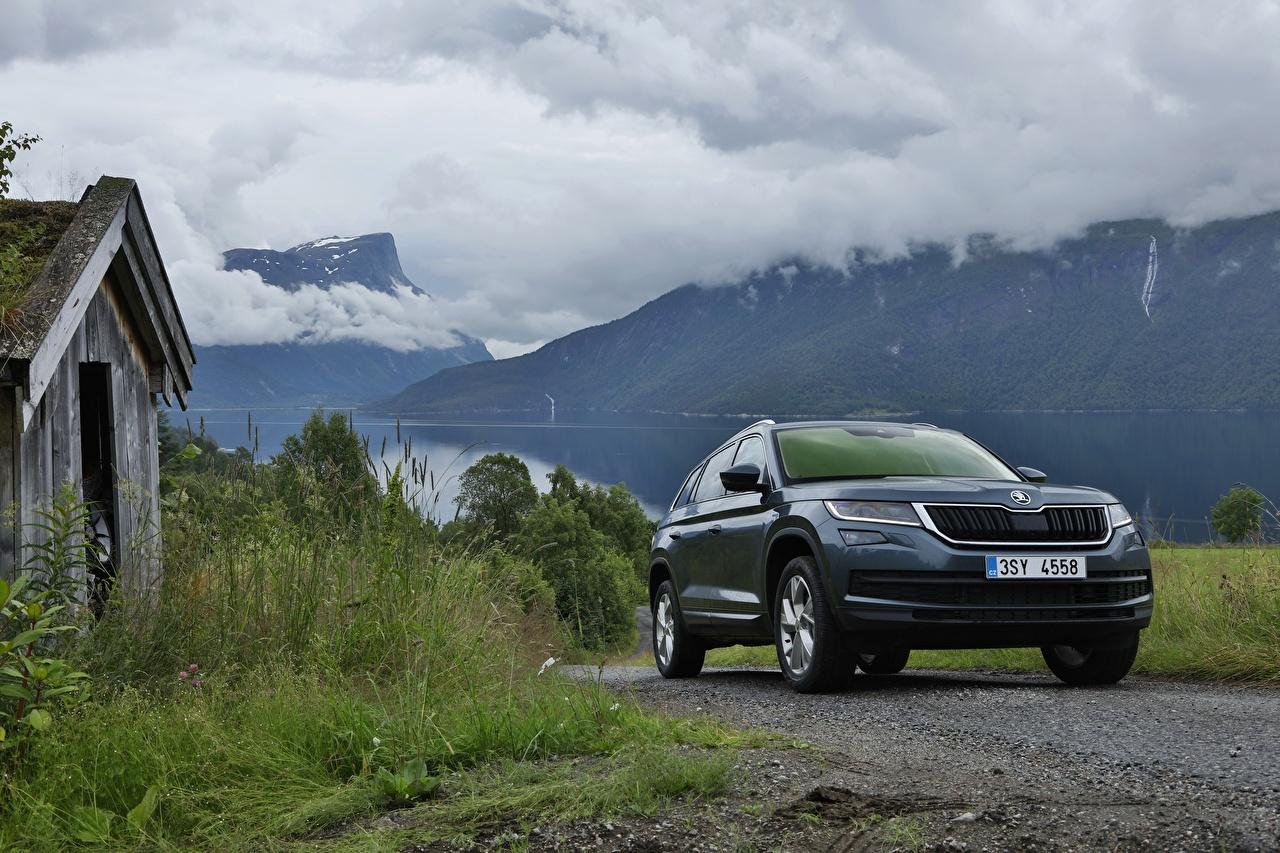 Fotos von Skoda Softroader Kodiaq, 2016 Gebirge auto Metallisch Crossover Berg Autos automobil