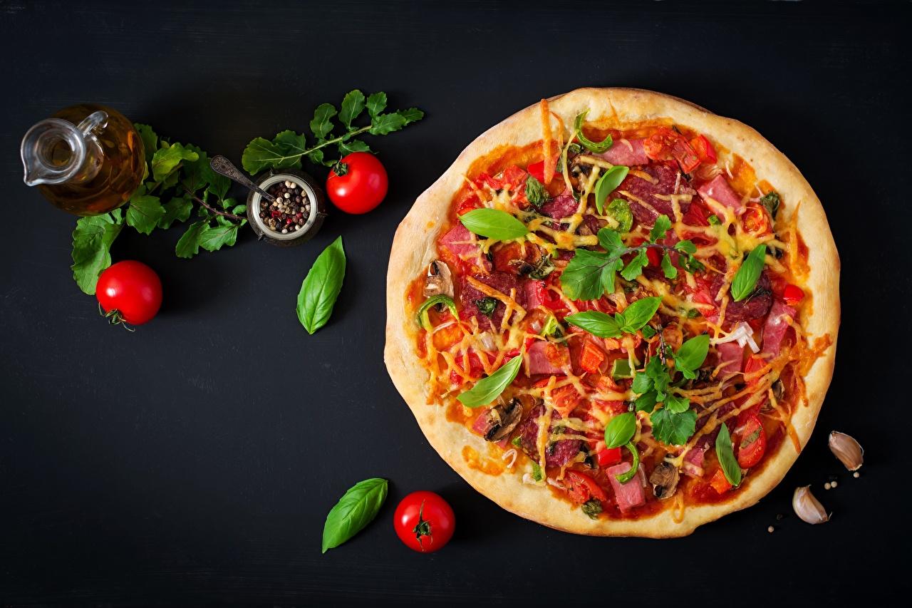 Desktop Hintergrundbilder das Essen Pizza Tomate Königskraut Lebensmittel Tomaten Basilikum Basilienkraut