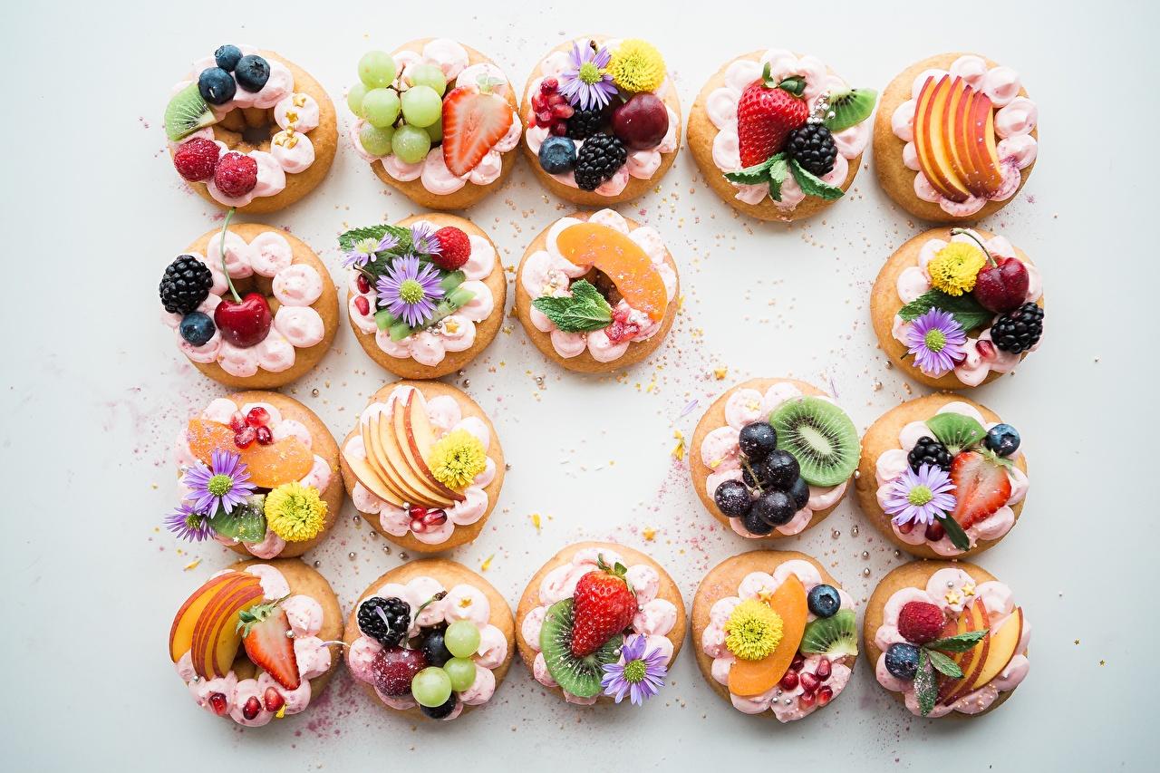 Wallpaper Dessert Food Berry Fruit Little cakes Gray background