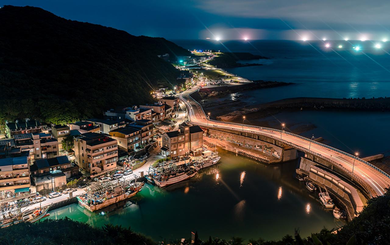 Desktop Hintergrundbilder Taiwan Keelung Brücke Binnenschiff Bucht Nacht Seebrücke Haus Städte Brücken Bootssteg Schiffsanleger Gebäude