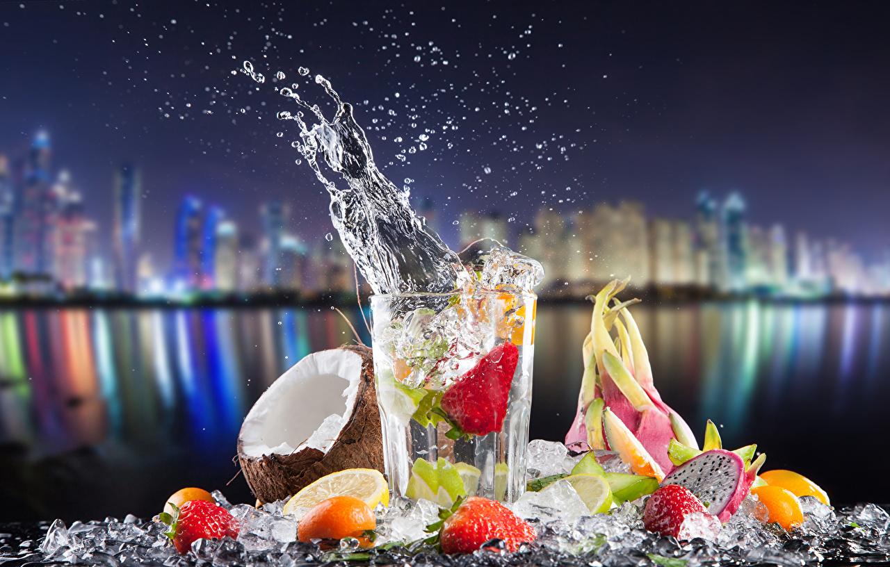 Bilder Kokos Zitrone Spritzer Trinkglas Obst Cocktail Lebensmittel Getränke Kokosnuss
